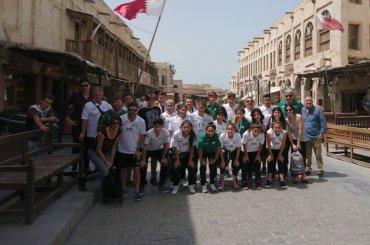Las chicas de la Escuela Municipal de Fútbol disfrutaron de un paseo por Doha
