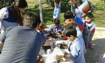 Con actividades en las escuelas, la Comuna apela a plantar la semilla de la conciencia ambiental
