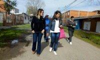El randazzismo de Pilar profundiza las caminatas en los barrios y apuesta a romper la polarización