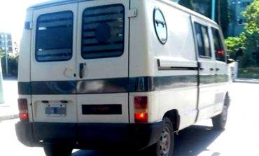 Adolescente asegura que dos hombres intentaron secuestrarlo a bordo de una camioneta blanca