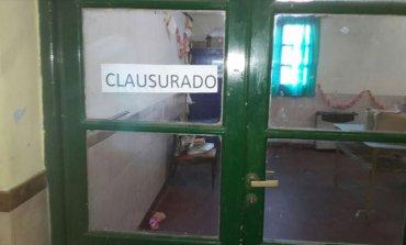 Polémica y cruces por el aula de una escuela pública que fue clausurada por sus malas condiciones