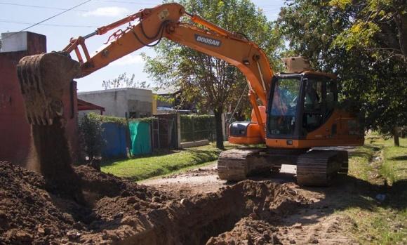 Avanzan obras cloacales que beneficiarán a más de 6.000 vecinos