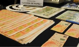 Desbaratan una banda de delincuentes que falsificaba billetes desde una casa de Pilar