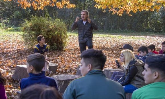 Oscar Ruggeri participó de una charla con jóvenes en Del Viso