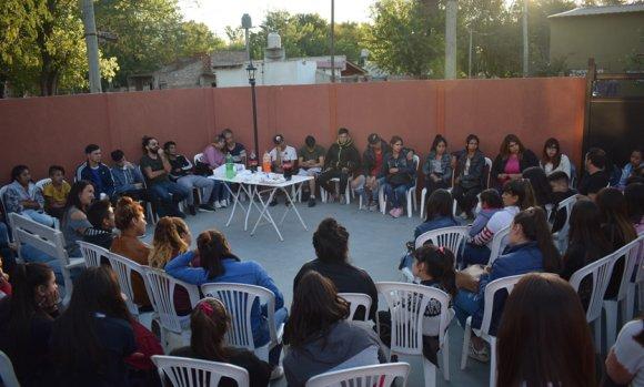 Ricci y Álvarez, del Frente Renovador, escucharon las inquietudes de más de 150 jóvenes