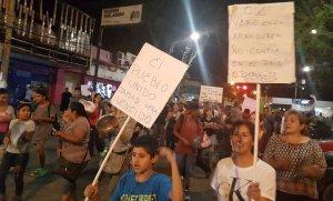 """El """"ruidazo"""" contra la suba de tarifas se hizo sentir en Pilar"""