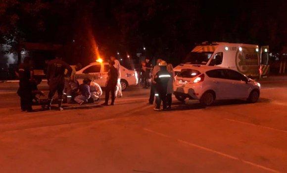 Muere motociclista al ser embestido por un auto en la ruta 26