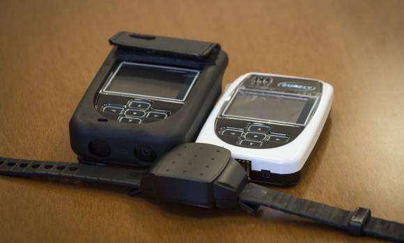 Usarán pulseras electrónicas para combatir la violencia de género